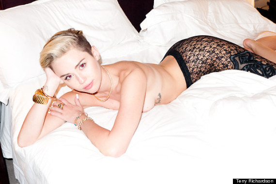 o-MILEY-CYRUS-TERRY-RICHARDSON-570